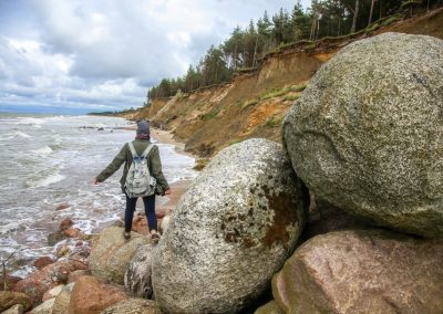 Pāvilosta - Labrags: Iespaidīgi akmeņi (Foto: Anita Šteinberga)