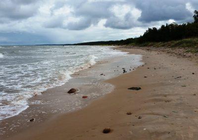 Pāvilosta - Labrags: plašas smilšu pludmales