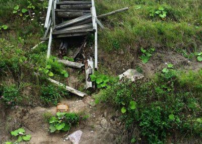 Pāvilosta - Labrags: pavisam bojātas kāpnes