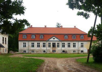 Oleru muižas kungu māja celta 1880.gadā, to cēlis Endzeles barons Engelharts savam dēlam.