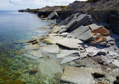 Atpakaļ uz ostu dodamies pa salas kreiso krastu (Foto: Zaiga Kaire)